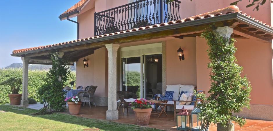 Fotos de porches de casas good terrazas de estilo de br for Imagenes de porches de casas